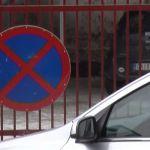 Da bi izbegli naplatu, zauzimaju parkinge javnih ustanova