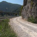 Od Ovčar Banje do Vidove – oštećenim putem kroz zatvoren tunel