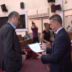 Gradonačelnik Čačka, Milun Todorović uručio odluke o dodeli subvencija za zapošljavanje