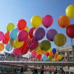 Sutra na trgu u Čačku baloni podrške deci oboleloj od raka