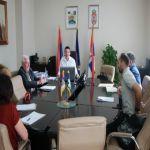 Sprovođenjem javnih radova biće zaposleno 71 lice u Gornjem Milanovcu – saopšteno je na sednici Saveta za zapošljavanje