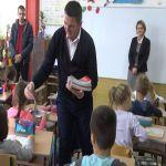 Podeljeni priručnici za ponašanje u vanrednim situacijama u milanovačkim školama