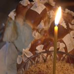 Slavu ne odlikuje preterivanje u jelu i piću, već kolač, žito, sveća i vino