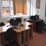Ekonomska škola u Čačku obnovila deo školskog nameštaja i računarske opreme