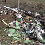 Komunalna policija u Milanovcu pronašla osobu koja je iskipovala veću količinu otpada u gradskom naselju Ivice