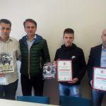 Ostoja Mijailović donirao Domu slepih u Čačku 92 900 dinara