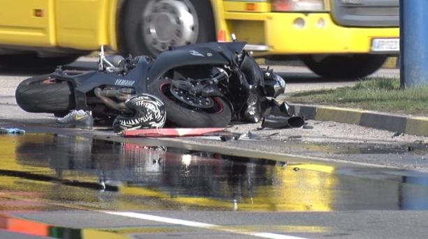 motociklista udes