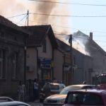 U požaru izgoreo sprat kuće u ulici Vojvode Stepe u Čačku (FOTO)