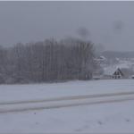 U slučaju da vas zaveje sneg na neprohodnom putu pozovite nadležnu službu ili pronađite najbliže domaćinstvo